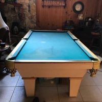 Conelly Billards Pool Table
