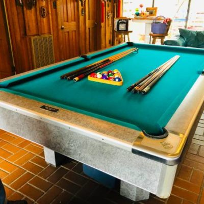 Brunswick Pro 8' Pool Table Great Condition