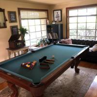 Brunswick 8'Pool Table